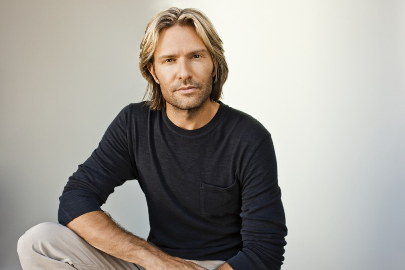 """the life and music of american composer eric whitacre A composer whose work i greatly admire, eric whitacre, has been blogging for about a year at soaringleapcom he has started a series of posts that he calls """"advice for the emerging composer,"""" and in the very first post in the series, he writes about how notation software hinders his compositional process."""